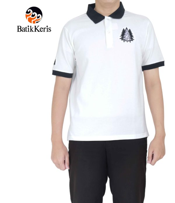 polo shirt motif pohon cemara