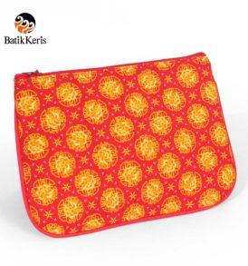 dompet oval motif wangi bunga