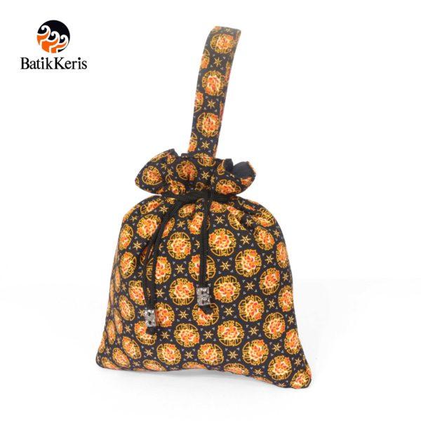 tas serut segitiga motif wangi bunga
